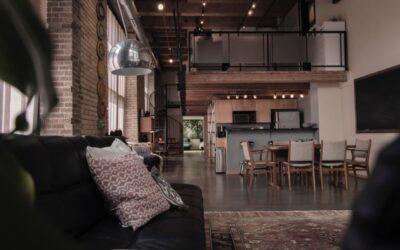 Wnętrza industrialne – jakie lampy do nich dobrać?