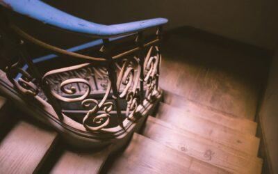 Jak oświetlić schody? Zadbaj o estetykę i bezpieczeństwo